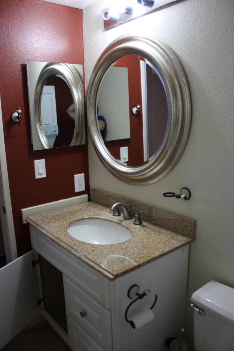 Bathroom_Before_2