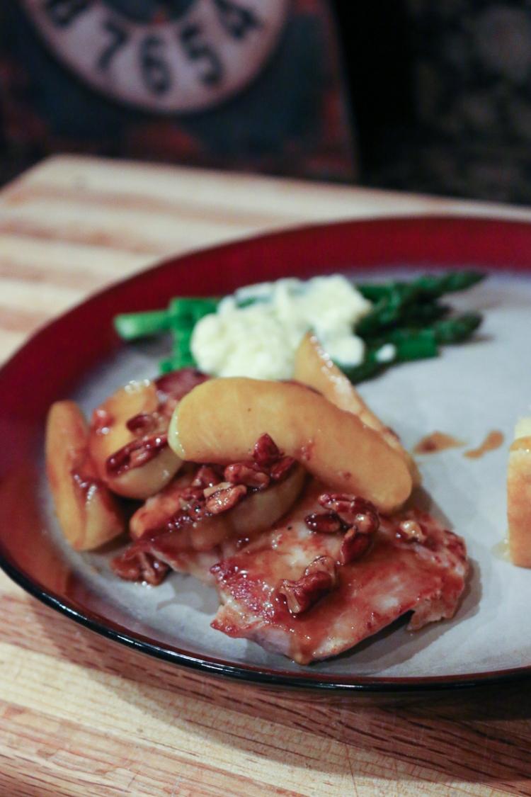 caramel-apple-pork-chops-4046