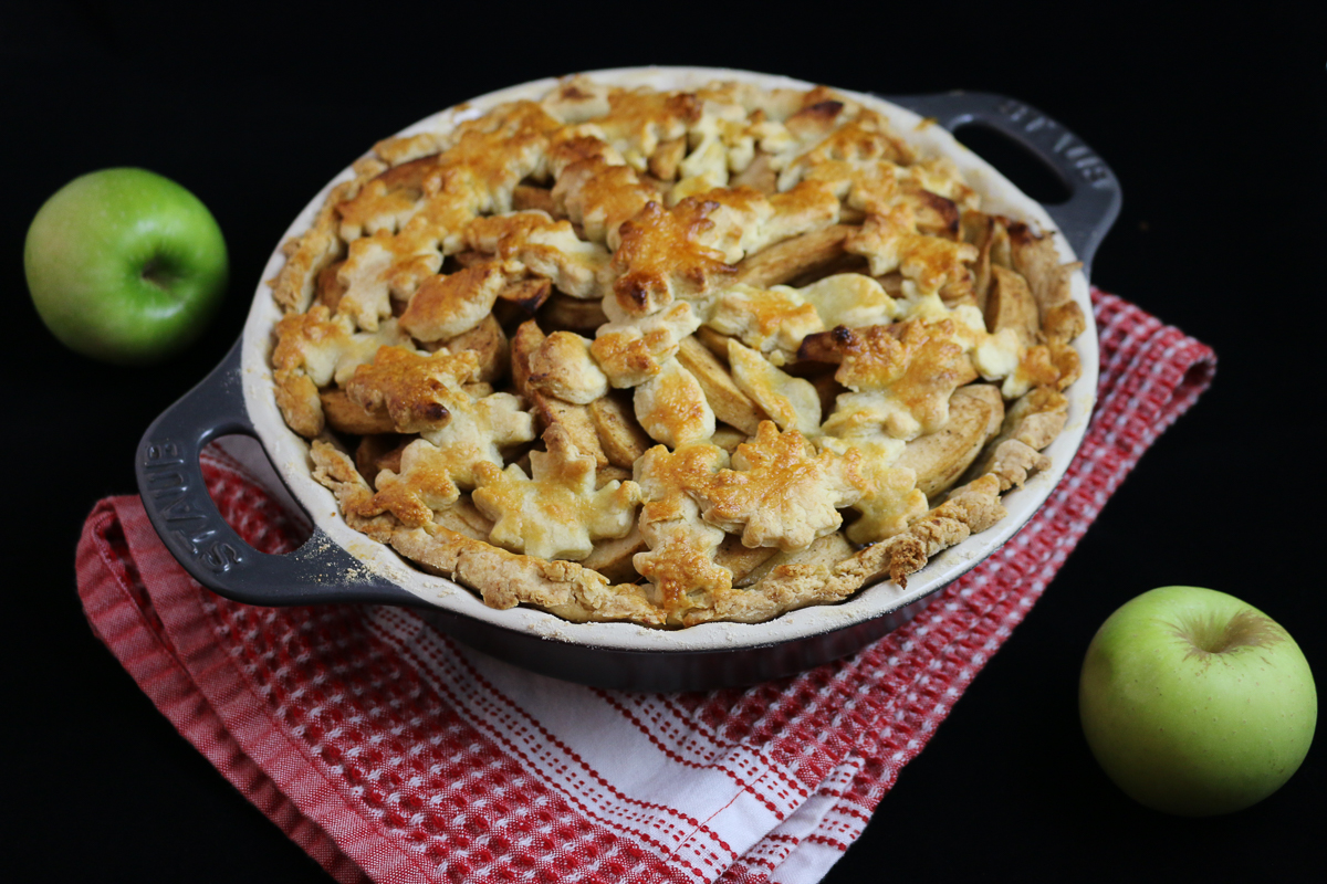 Simply Delicious Apple Pie – Eat. Fly. Love.